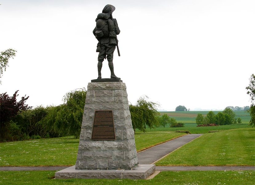 Statue of the Bullecourt digger
